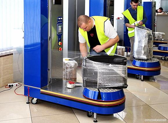 upakovka-bagazha-v-aeroportu